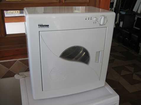 Úzká sušička na prádlo